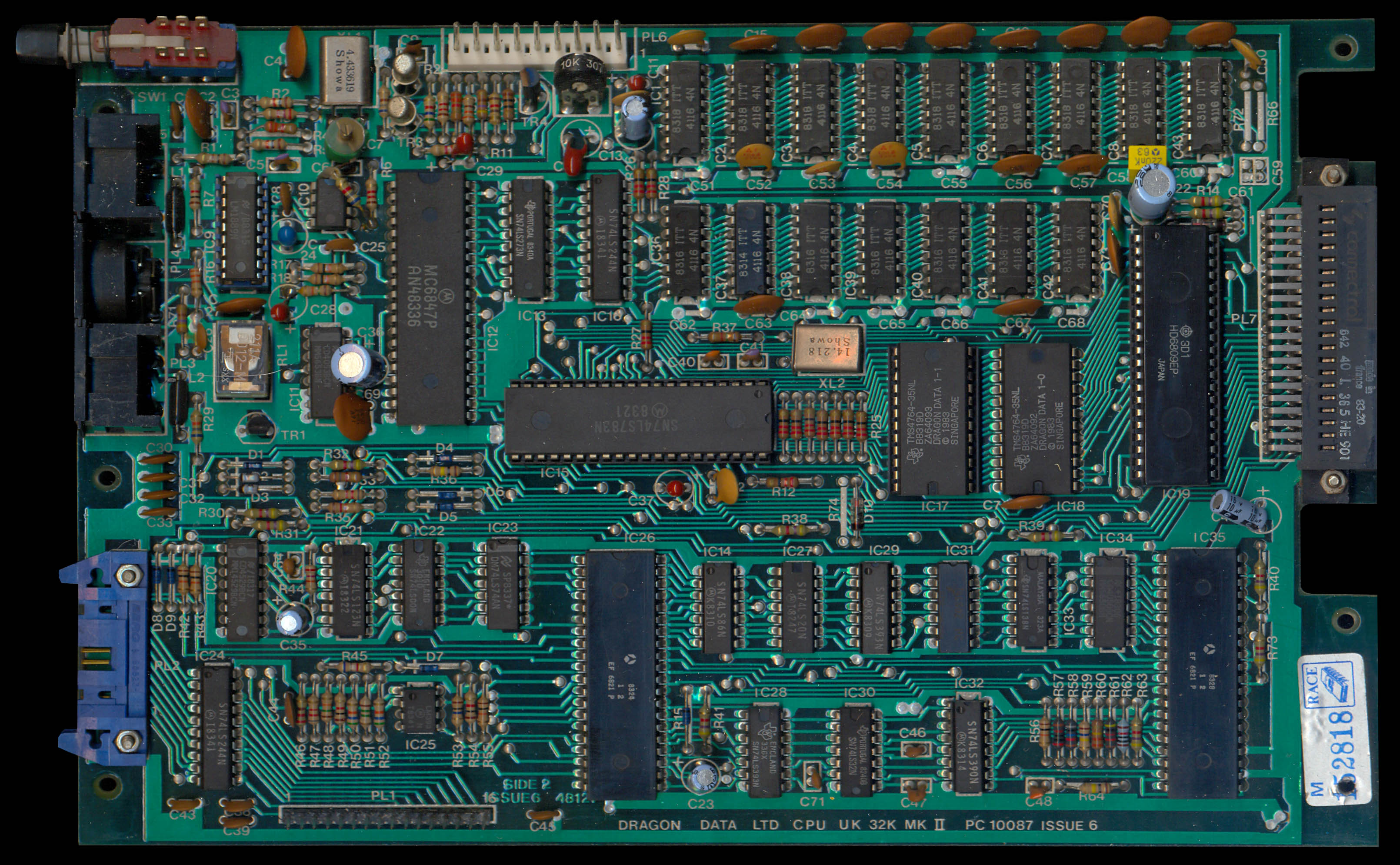 File:Dragon32 PCB Top (PC10087 Issue6) jpg - The Dragon Archive