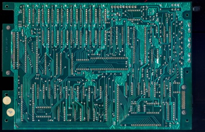 Dragon32 PCB Bottom (PC10087 Issue6 PN48127 with PN48200 Issue2).jpg